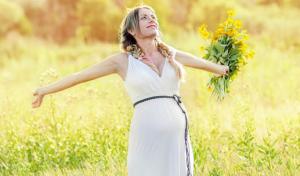 ibu hamil perempuan