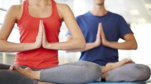 yoga suami istri